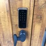 ツーロックドアに指紋認証可能な電池錠(POPscan)を 交換取付しました。 施工画像